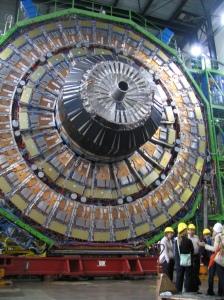 'Sto coso è (anzi, ERA) un reattore. Come? Non lo è? MA CHI CAZZO SE NE FREGA DI COSA FOSSE, è esploso e ha lanciato MERDA addosso a tutti, QUESTA è la cosa importante!!