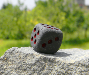 2 dadi-colorati pietra